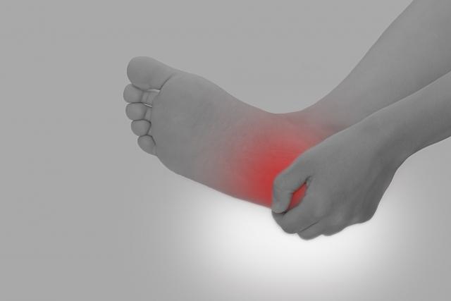 生駒で足底腱膜炎なら、えだ整骨院